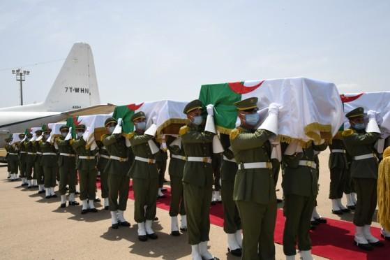 L-Algerie-recupered-ceremonie-militaire-solennelle-restes-24-combattants-debut-colonisation-francaise-XIXe-siecleleur-restitution-France_0_729_486